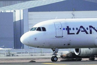 Quiénes son Jefferies y Knighthead Capital, la dupla que compite para financiar a Latam Airlines
