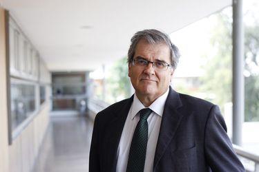 """Eduardo Valenzuela, presidente de la comisión UC sobre la crisis de la Iglesia católica: """"El caso Karadima no es sólo un caso de abusos, es una deriva sectaria dentro de la Iglesia"""""""