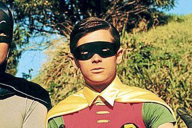Adam West y Batman regresan a la pantalla local a través de REC TV