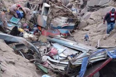 Bolivia: al menos 34 muertos por accidente de tránsito en ruta en región de Chuquisaca