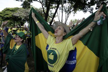 Partidarios de Bolsonaro realizan manifestaciones de apoyo en las calles pese a los más de dos mil muertos diarios