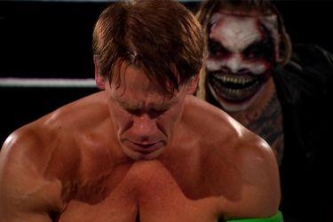 John Cena y Bray Wyatt protagonizaron el segmento más demente en la historia de Wrestlemania
