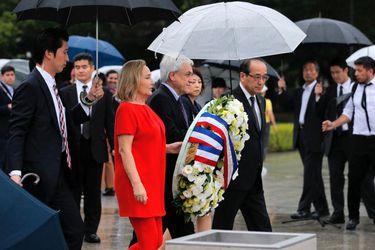 """Piñera finaliza gira con visita a Hiroshima: """"La gran cruzada es lograr que el mundo sea sin armas nucleares"""""""