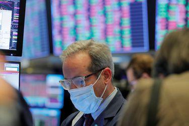 Mercados caen en medio del alza de la grandes tecnológicas