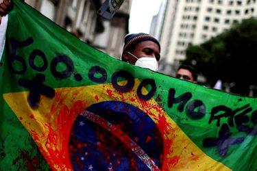 Masivas manifestaciones en Brasil tras alcanzar el medio millón de muertes por COVID-19