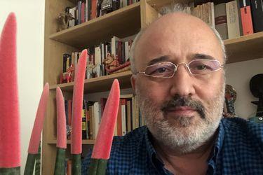 """Daniel Cassany, lingüista español, sobre las clases online: """"Las casas no están preparadas para hacer educación a distancia"""""""