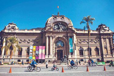 Perfil del futuro director del Bellas Artes divide al medio artístico