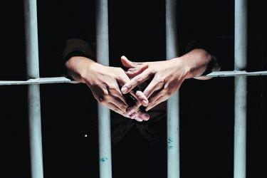 Covid-19 en la cárcel: La larga espera por un indulto