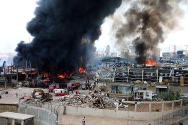 Gran incendio afecta al puerto de Beirut a un mes de la  explosión