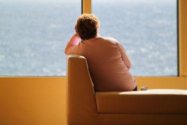 Salud mental de los chilenos empeora en abril tras implementación de cuarentenas: Síntomas de depresión llegan a 46,7%