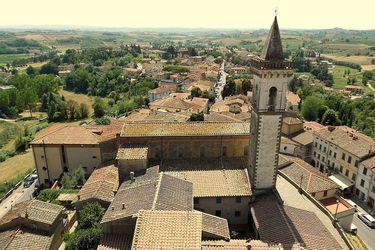Vinci,_Tuscany,_Italy_(1)