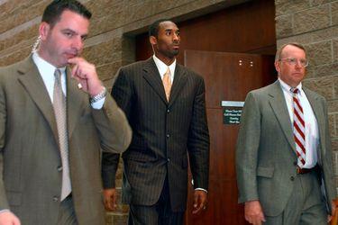 Suspenden a una periodista que recordó caso de acusación de violación contra Kobe Bryant el día que murió