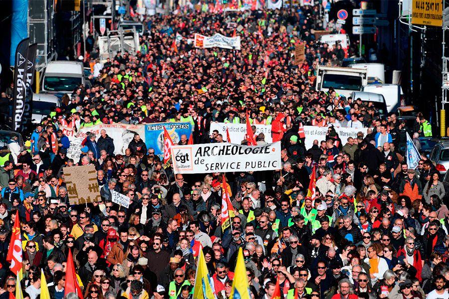 manifestacion--francia-contra-reforma-pensiones