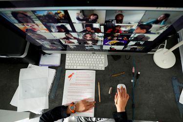 Videollamadas: por qué las reuniones por Zoom nos cansan tanto (y algunos consejos para evitar el desgaste)