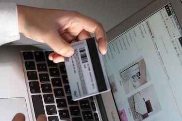 Ley de fraudes con tarjetas: denuncias caen a tasas de dos dígitos en el primer semestre