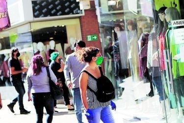 Minsal publica en Diario Oficial medidas por el coronavirus: Mantiene restricción para reuniones con máximos 50 personas, precisa conceptos y establece prohibición de cruceros hasta el 30 de septiembre