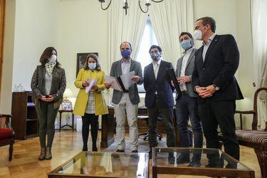 Ministro Monckeberg se reúne con diputados de Chile Vamos para abordar el proyecto que reduce el número de parlamentarios