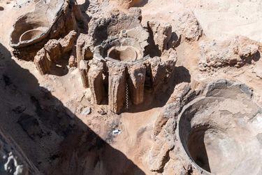 Descubren en Egipto la cervecería más antigua del mundo