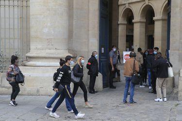 Francia registra más de 16 mil casos nuevos de coronavirus y se acerca a los 500 mil contagios