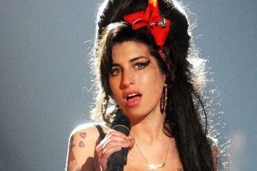 """Padre de Amy Winehouse confirma biopic y anuncia que será estrenada """"en un año o dos"""""""