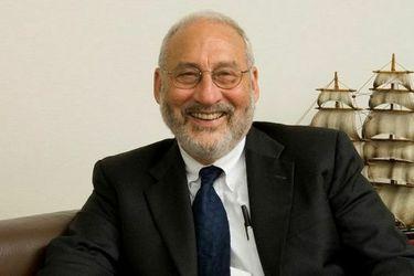 """Joseph Stiglitz: """"No habrá recuperación económica hasta que nos recuperemos de la pandemia"""""""