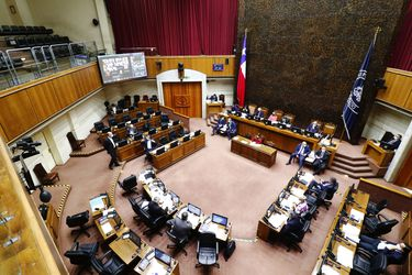 Senado aprueba informe de Comisión Mixta que acordó aplazar la cuenta pública presidencial para el 31 de julio con votación dividida de la oposición