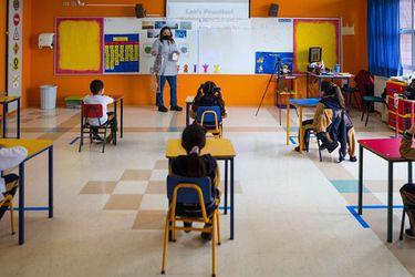 """Piñera defiende retorno a clases presenciales y ministro Figueroa asegura que en términos generales la mayoría de los establecimientos """"están en buenas condiciones"""""""