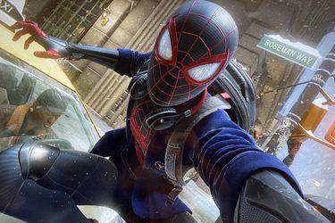 Spider-Man: Miles Morales nombró una calle en honor a Chadwick Boseman
