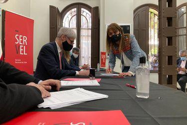 Los duros enfrentamientos y los llamados a Piñera: La noche en que casi fracasó la inscripción de primarias de Chile Vamos
