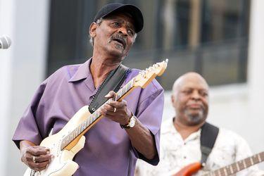 "Muere Paul Sinegal, el ""maestro"" de la Stratocaster"