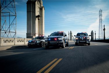 Dodge sube la vara con los nuevos radiopatrullas Charger Pursuit y Durango Pursuit 2021