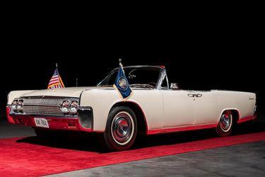 Subastan el Lincoln en que John F. Kennedy viajó en Texas antes de ser asesinado