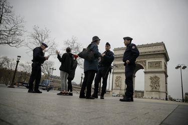 Gobierno francés anuncia colaboración de las fuerzas armadas para enfrentar el coronavirus