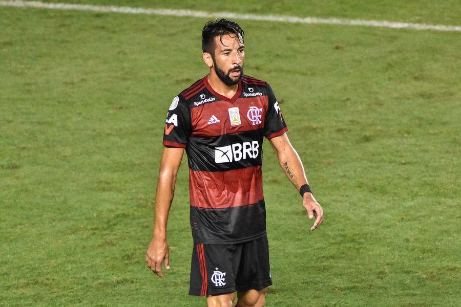 Mauricio Isla vuelve a ser citado en Flamengo y tranquiliza a la Roja - La Tercera