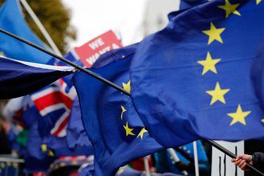 Theresa May dice que el Parlamento británico podrá votar sobre un nuevo referendo sobre el Brexit