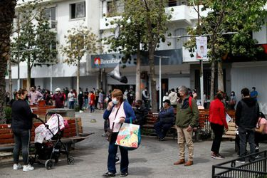 Autoridades realizan positivo balance de Puente Alto, que hoy salió de cuarentena tras 172 días de confinamiento
