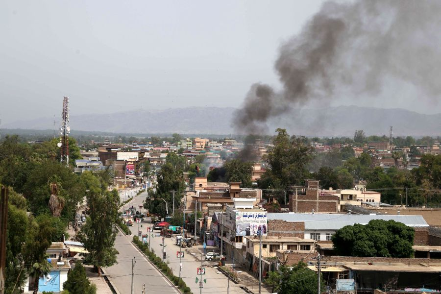 Militants attacked government buildings in Jalalabad