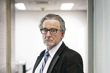 Roberto Zahler critica los retiros, considera excesiva el alza de tasa de interés y se distancia de Pamela Jiles
