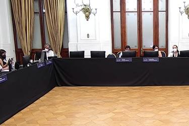 """Comisión provisoria de Ética elige a tres de sus miembros permanentes y Comisión de Sistema Político definió a sus dos """"enlaces transversales"""""""