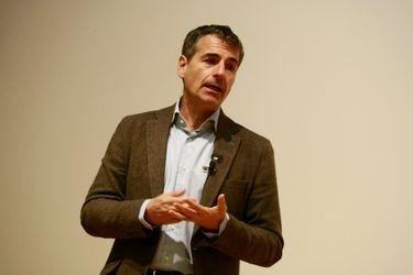 """Andrés Velasco: """"Los ahorros son para usarlos en emergencias, y esta es la madre de todas las emergencias"""""""
