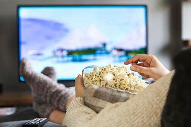 De Amazon a Netflix: este es el día y la hora en que más series ven los chilenos