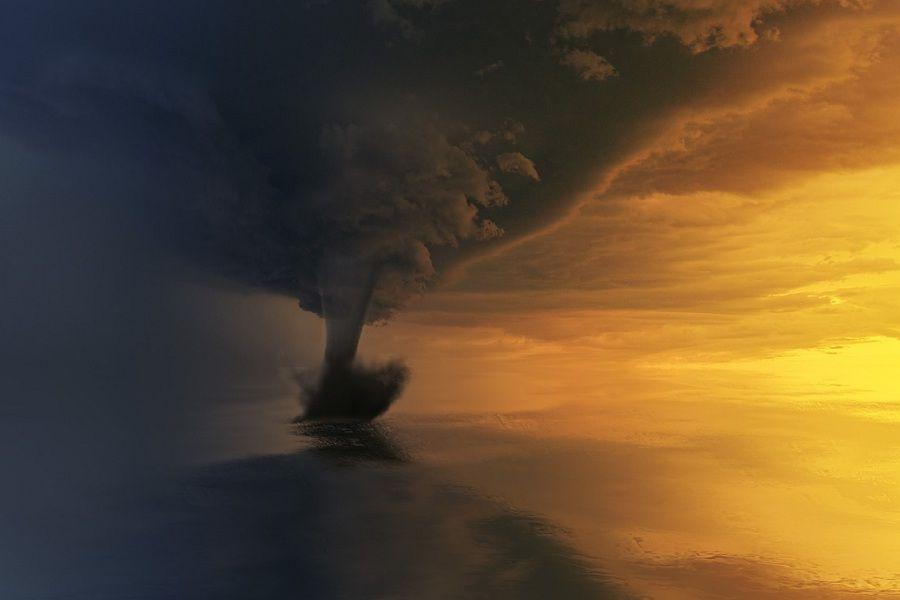 tornado-3189351_1280