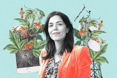 """Periodista española, Marta Peirano, sobre la economía de la atención: """"Nos da la sensación de que la podemos revertir con acciones individuales, pero esto es como el cambio climático; es un problema institucional"""""""