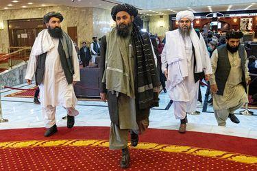 """""""Desaparecidos de la vista del público"""": crece incertidumbre en Kabul por suerte de dos altos líderes talibanes"""