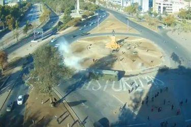 Transantiago ejecuta desvíos en Alameda por manifestaciones en Plaza Baquedano