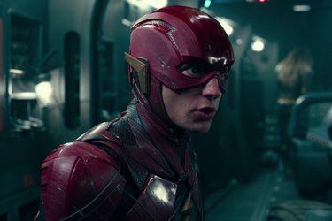 Grant Morrison comparó el tono de su guión para la película de Flash con Volver al Futuro