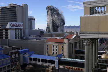 Así fue la demolición del antiguo hotel casino de Trump en Atlantic City