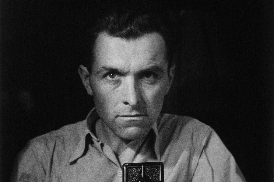 Autorretrato con Rolleiflex 1947 © Robert Doisneau
