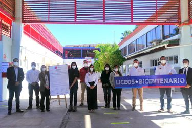 Liceos de la región de Tarapacá renuevan Sello Bicentenario
