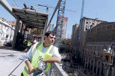 """Diego Matte, director del CEAC, U. de Chile: """"No perdemos la esperanza de que el sector de Plaza Italia va a volver a florecer"""""""